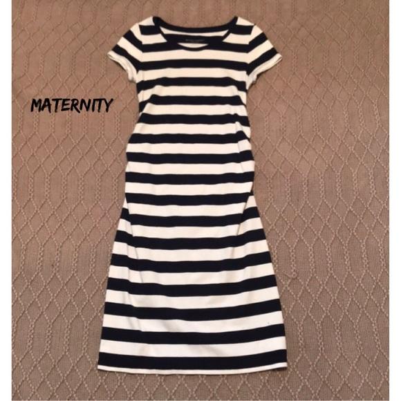 dfaa69132c44e Liz Lange for Target Dresses & Skirts - Liz Lange Maternity fitted knee  length dress XS